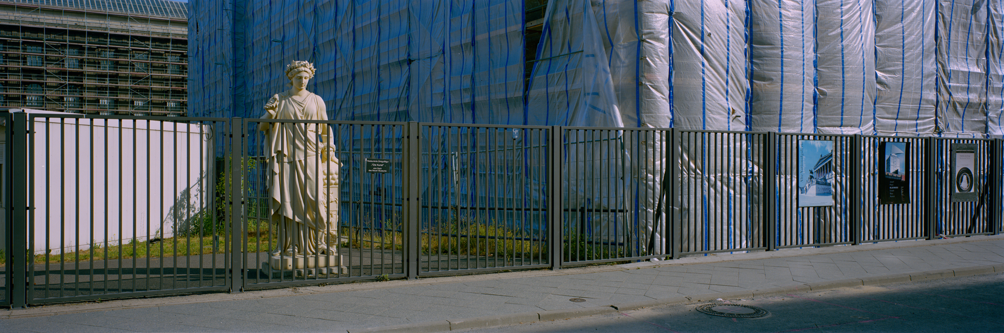 large format photography, Grossformatfotografie, Grossformatphotographie, Fotografie, Photographie, photography, 6x17, Berlin, Hauptstadt, capitol, city, Stadt, Architektur, architecture, Beton, Stahl, concrete, steel,