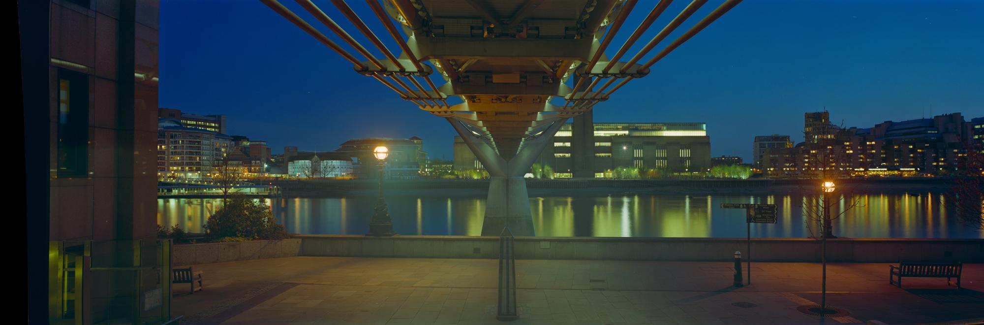 large format photography, Grossformatfotografie, Grossformatphotographie, Fotografie, Photographie, photography, 6x17, city, Stadt, Architektur, architecture, Beton, Stahl, concrete, steel, Brücke, bridge, London
